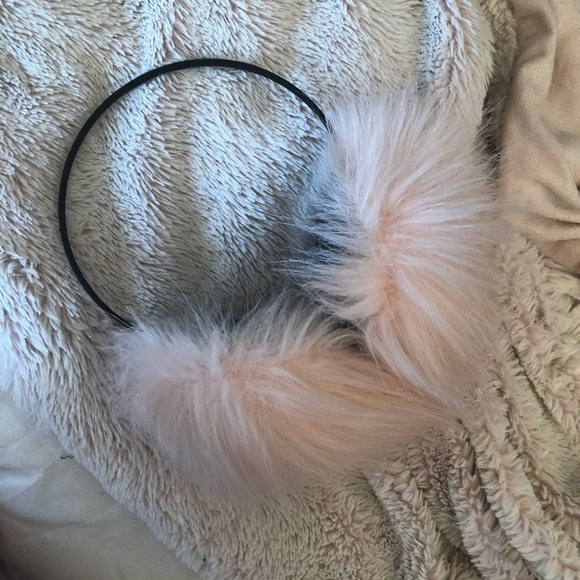 Free People Accessories - Pink Free People ear muffs
